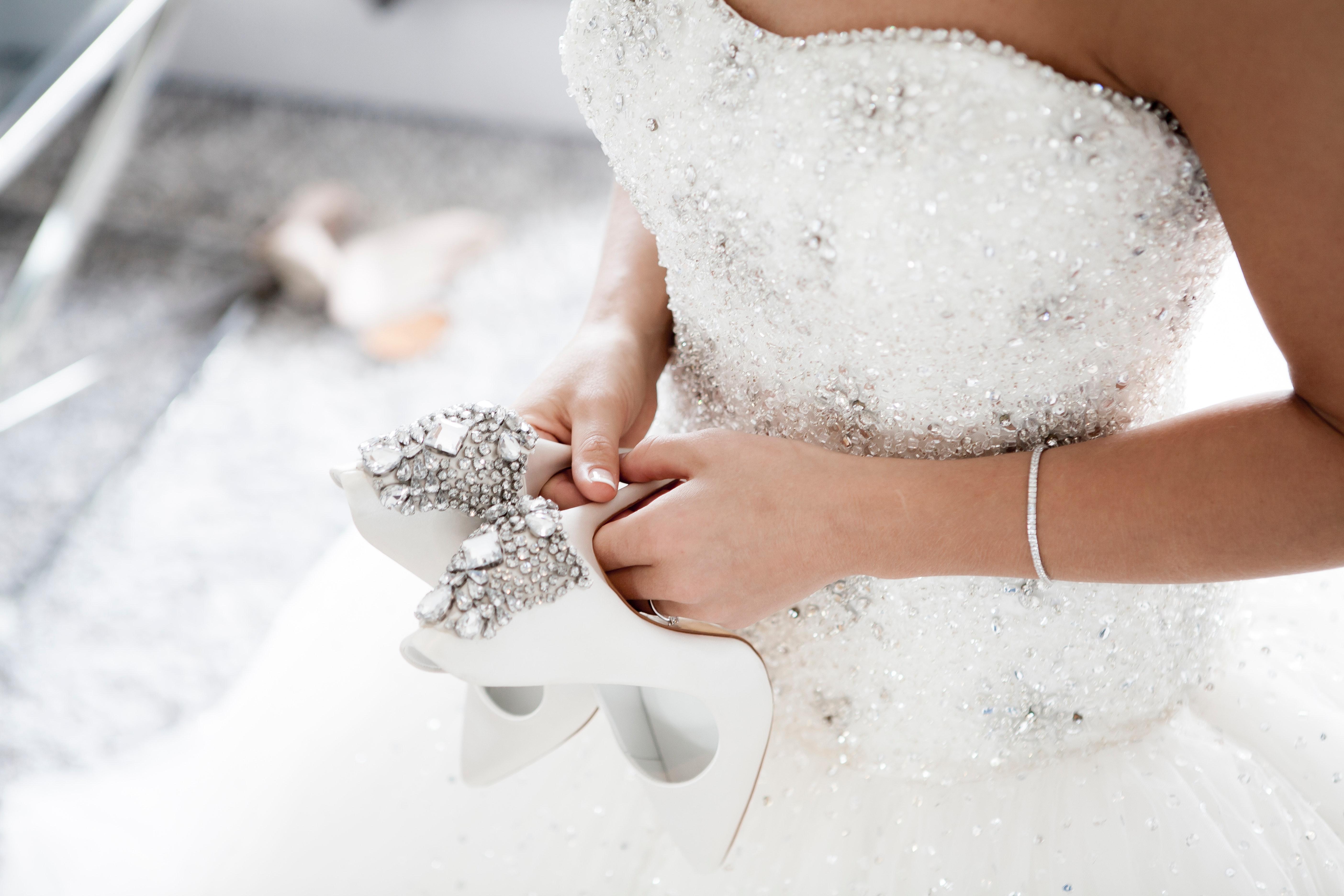 Tanie suknie ślubne – które są modne